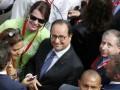 Hollande opens world's biggest wine fair in Bordeaux